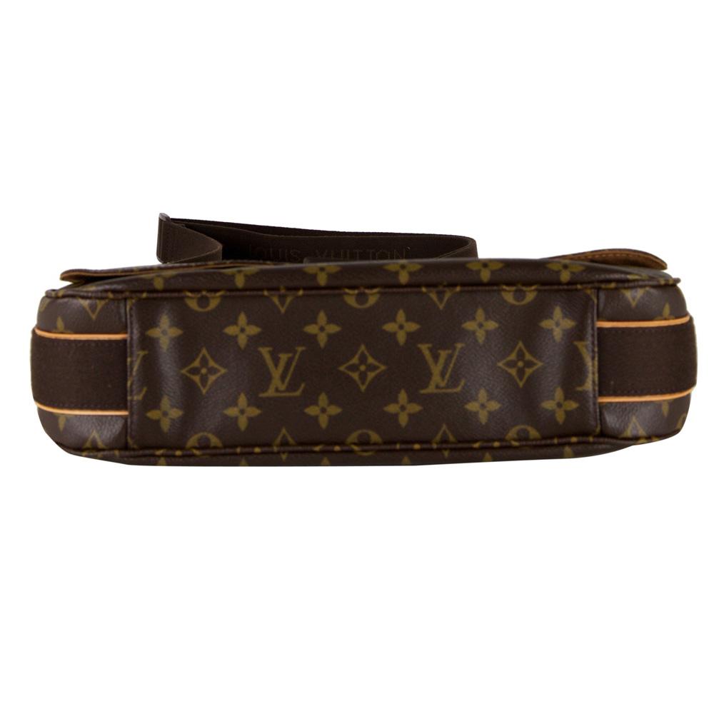 Louis Vuitton Monogram Beaubourg Messenger Bag Mm